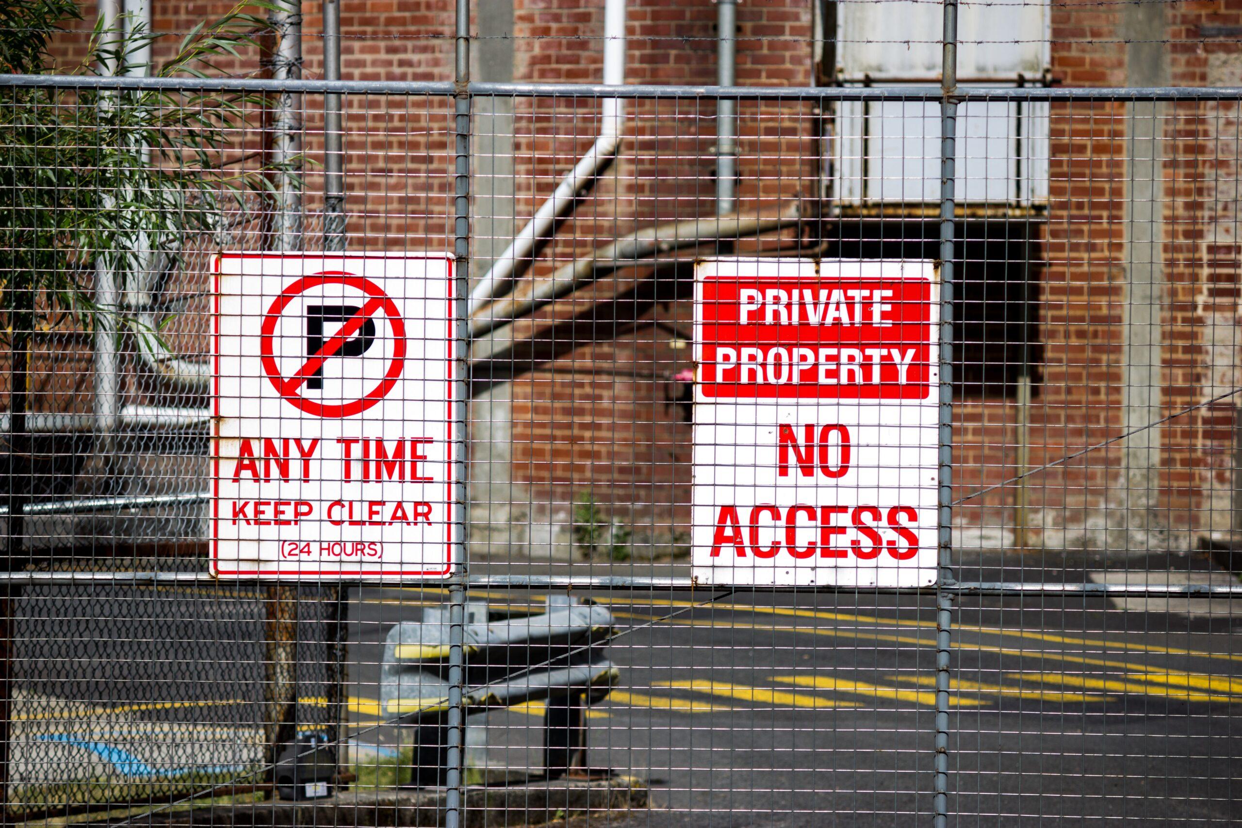 private vs public property laws when in a car accident